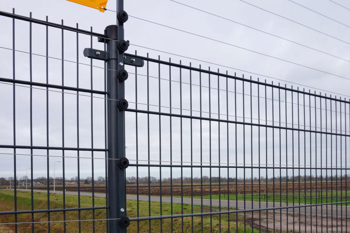 powerfence voor beveiliging bedrijventerrein
